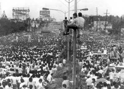 EDSA_Revolution_pic1.jpg